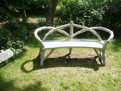 fabrication d un banc de jardin en bois cuisine rusticages faux bois vraies oeuvres d comment