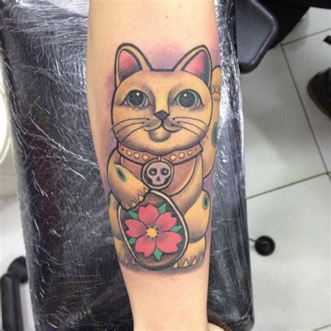 lucky cat tattoo 1000 ideas about lucky cat on cat
