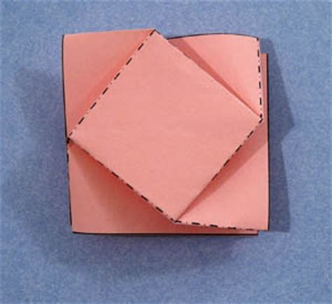 how to fold a square twist