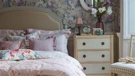 Bedroom Live Wallpaper Declutter The Easy Way With Practical Bedroom Storage