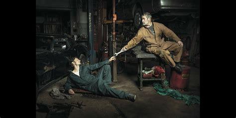 autowerkstatt in der nähe fotograf inszeniert autowerkstatt als renaissance gem 228 lde