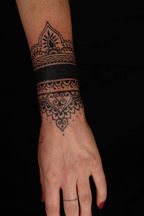 Tattoo Cover Up Henna | tiki mask tattoo cover up koru tattoo mehndi design