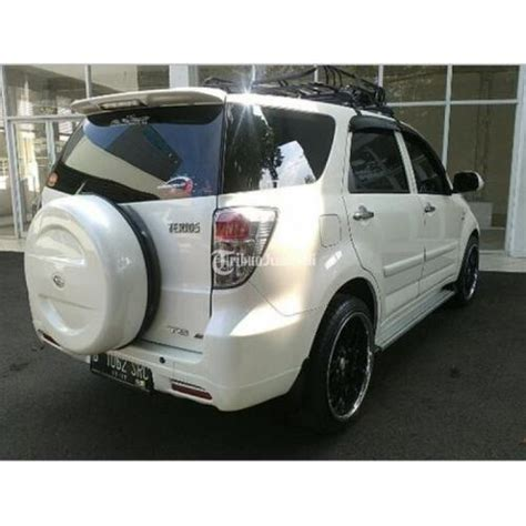 Spion Kap Mesin Mobil Daihatsu Terios 2010 Putih daihatsu terios a t putih tahun 2012 modifikasi simpel