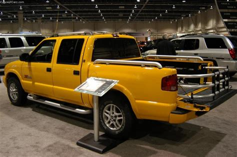gmc sonoma 2003 gmc sonoma information and photos zombiedrive