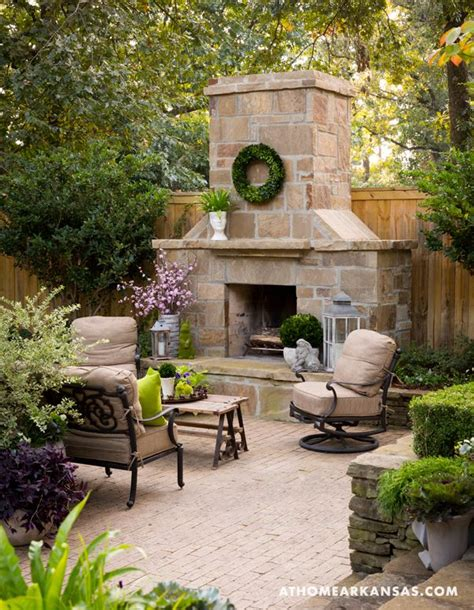 25 best ideas about outdoor sitting areas on