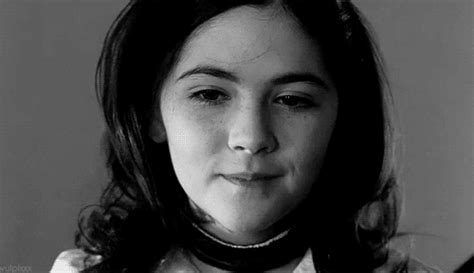 js esther black nzy black and white esther coleman gif find on giphy