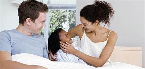 imagenes de cumpleaños para padres el cuidado de los ni 241 os por padres adoptivos solo para