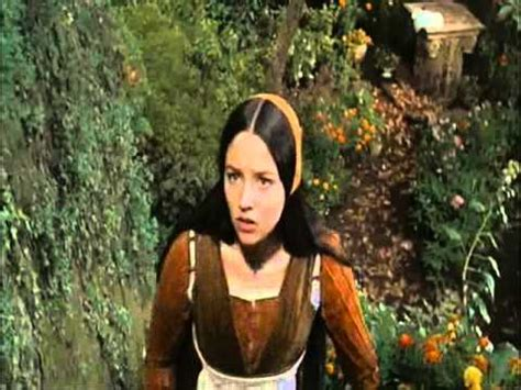buy romeo and juliet in plain and simple olivia hussey juliet youtube