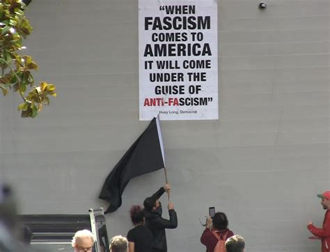 when fascism was american fascism and anti fascism in the 1930s books when fascism comes to america it will come the guise