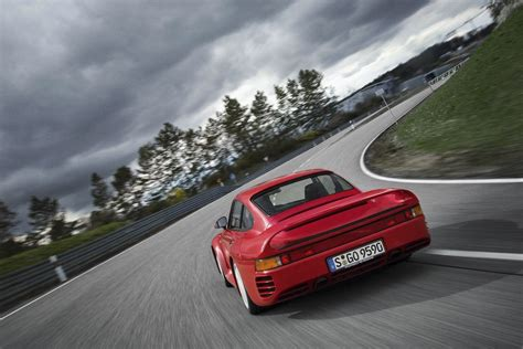 80s porsche 959 porsche 959 the driver s car of the 80s