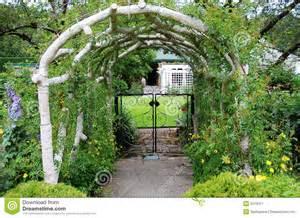 Kitchen Design Belfast garden entrance stock image image 5519311