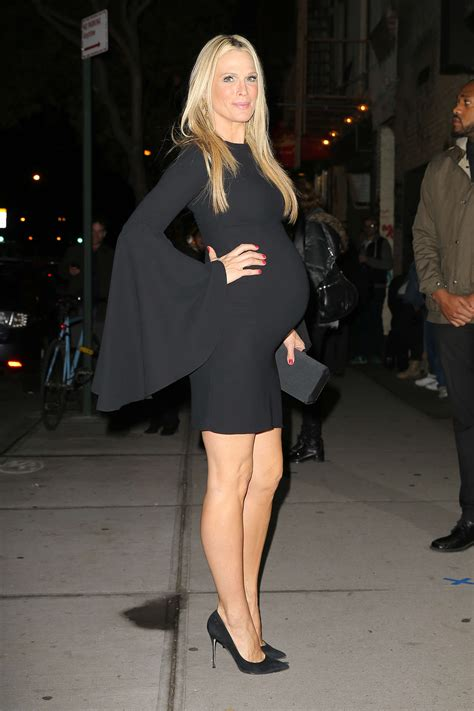 New York Chic Molly Sims Shows How In Sleek Grey Peeptoes A Snuggly Cardigan Ruana With A Style Blouse Fashiontribes Fashion by Molly Sims At Office 05 Gotceleb