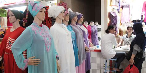 Baju Muslim Pasangan Azzura 335 34 Dan 335 35 ini tren jilbab dan busana muslim untuk lebaran tahun 2015 merdeka