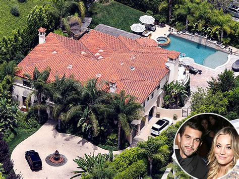 Kaley Cuoco S House Is For Sale Celeb Real Estate Kaley Cuoco Sweeting Khloe