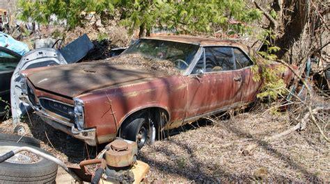pontiac junk yards car spotting in a michigan junkyard automobile