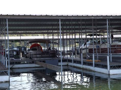 boat stalls fout boat dock - Boat Stall