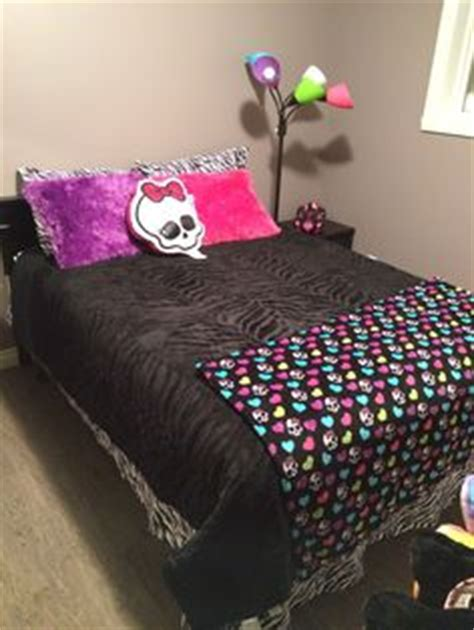 monster bedroom 1000 images about monster high bedrooms and this