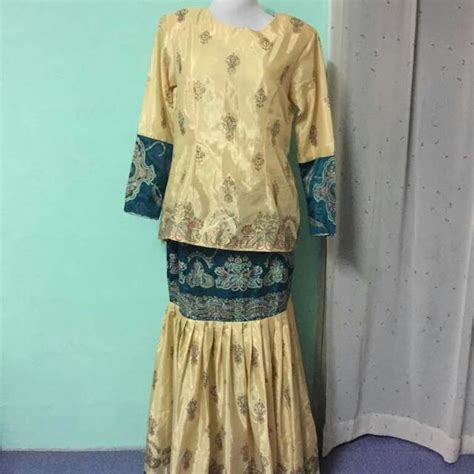 Baju Kurung Pahang Kain Sari kain sari baju kurung moden s fashion clothes others on carousell