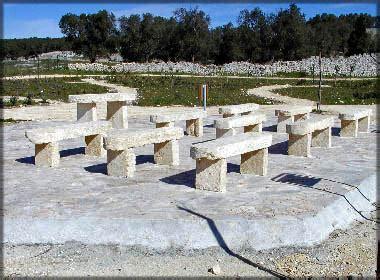 panchine in pietra panchina in pietra per arredo giardino la pietra taurina