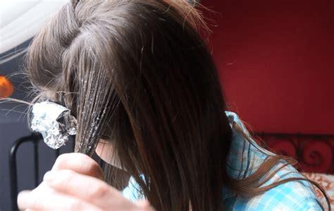 diy highlights for dark hair diy all natural balayage hair highlights step by step