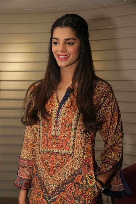 pakistani actress divorce list 2017 file pakistani actress sanam saeed jpg wikimedia commons