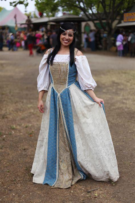 1000 images about ren faire ideas on costume renaissance faire costumes for