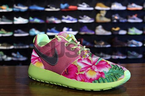 Nike Rosherun Flower Grade Ori nike roshe run pink volt island floral garden custom