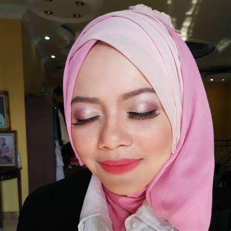 Eyeshadow Yang Cocok Untuk Baju Pink kursus cepat 6 ide make up wisuda simpel yang bisa kamu