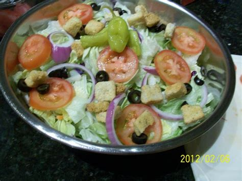 Recipe For Olive Garden Salad by Olive Garden S Salad And Dressing Recipe Hacked