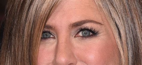 aniston eye color aniston wears colorful eyeliner makeup to the