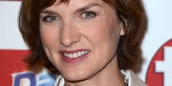 Fiona bruce reveals she likes a cocktail before reading the bbc news
