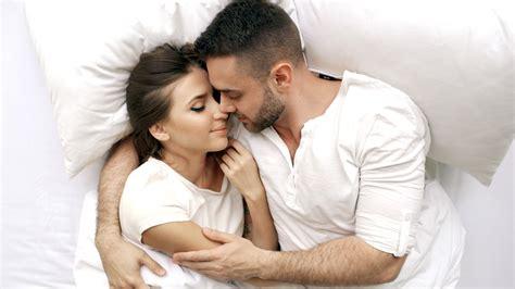 jangan langsung tidur 7 kegiatan setelah hubungan seks