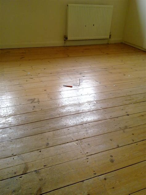 laminate flooring filling gaps between laminate flooring