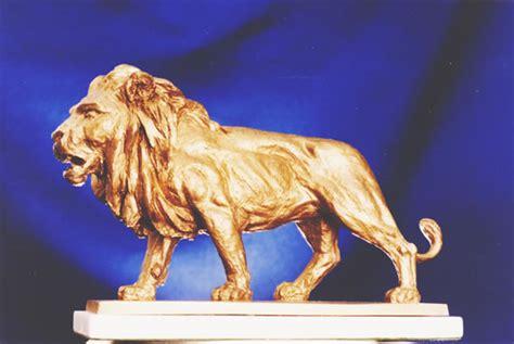 golden lion film award clemente spinato bronze sculpture
