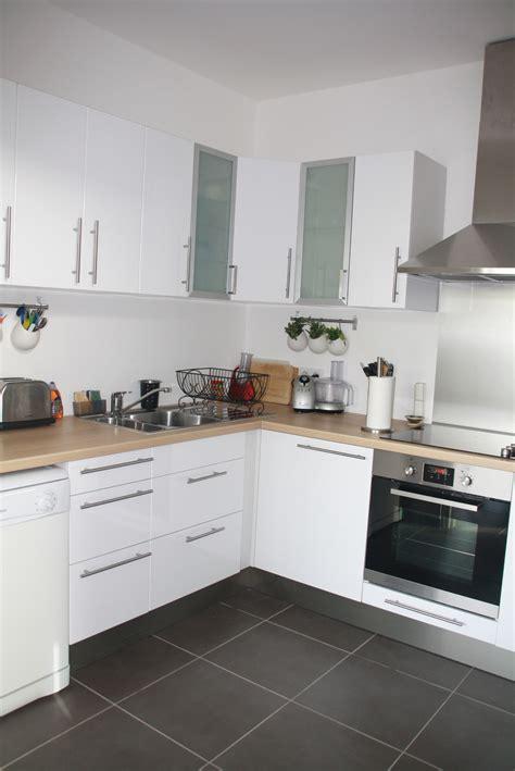 photos cuisine blanche cuisine blanche bois et inox photo 5 6 3509189