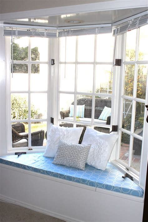 bay window bench cushion 25 best ideas about window seat cushions on pinterest