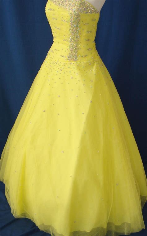 Wedding Dress Yellow by Wedding Dresses In Yellow And White