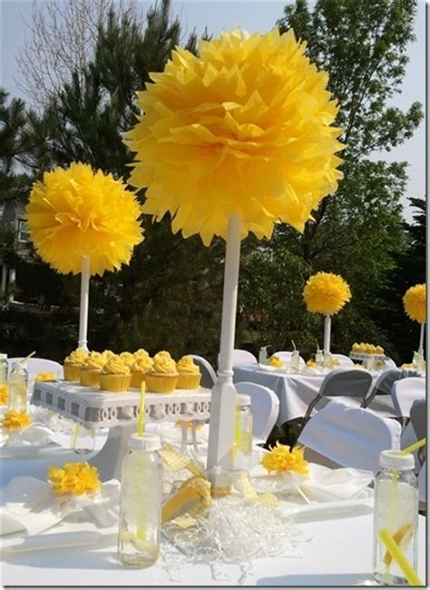 Baby Shower Decorations Yellow by 17 Best Ideas About Yellow Baby Showers On