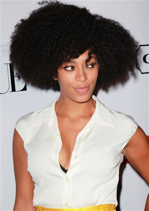 solange knowles natural beyonce s sister solange knowles slams natural hair advocates