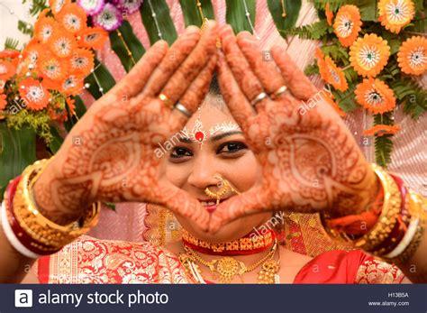 braut rituale die braut ein portr 228 t einer indischen braut w 228 hrend der