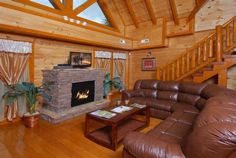 8 bedroom cabins in pigeon forge pool and theater lodge 8 bedroom cabin rental in pigeon