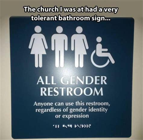 funny bathroom pics funny bathroom signs dump a day