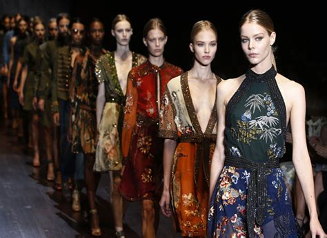 Fashion Week House Of Knows What Sells by 5 Things To The Milan Fashion Week Di Moda