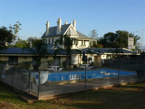 Airlie House Motel Airlie House Accommodation
