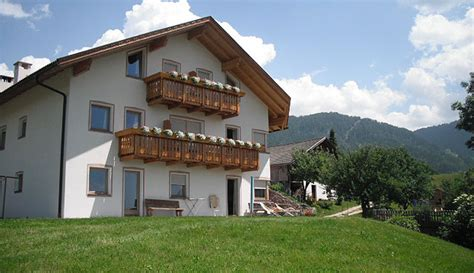 appartamenti castelrotto vacanze appartamenti a castelrotto vacanze ai piedi dell alpe di
