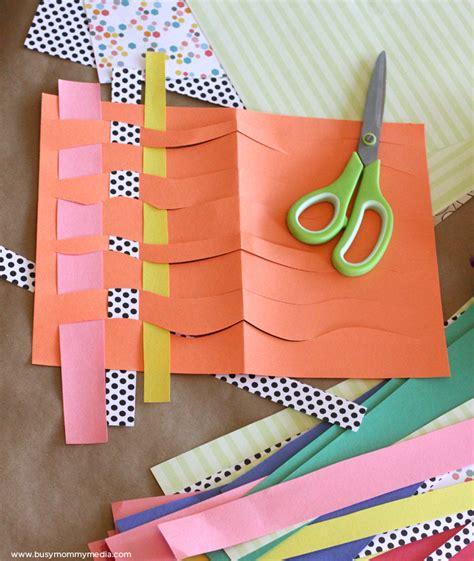 Paper Weaving Craft - wavy paper weaving craft for