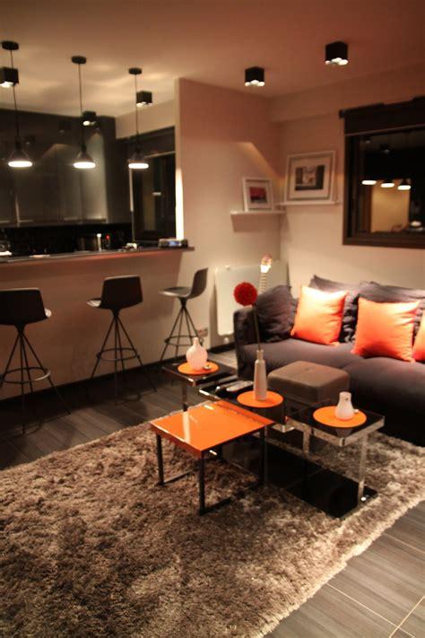salon noir orange moderne photo 24 murpro photos d 233 co id 233 es d 233 coration pour un salon de 10 a 20m2