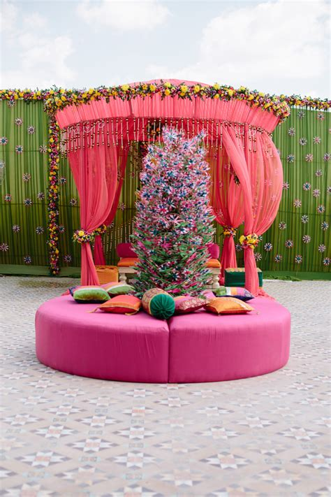 pink patio furniture at suryagarh palace in india entouriste