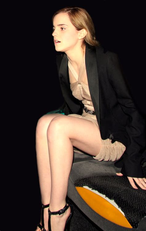 hollywood actress legs miley cyrus eyebrows top 10 hollywood actresses hottest