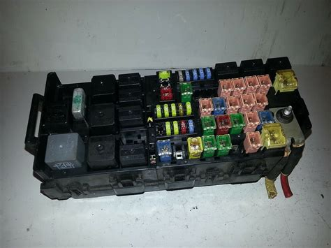 2004 Lincoln Aviator 4 6l Fuse Box Block Relay Panel Used